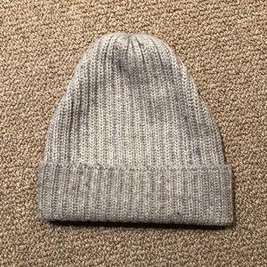 50a6d43ad47 Uniqlo Accessories - Uniqlo Heattech Knit Beanie Gray